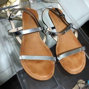 Bamboo black & metallic silver sandals